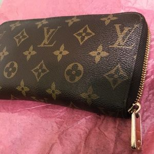 LV wallet! Used in great condition